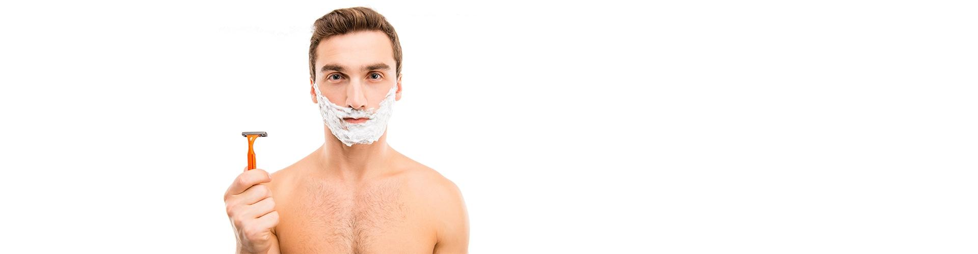 Mann, der sich rasieren will